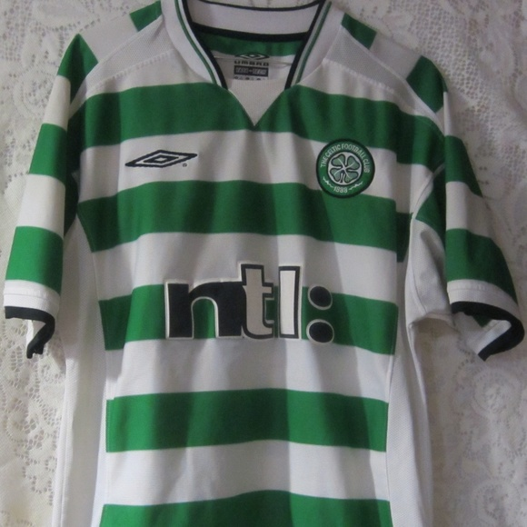low priced 6b4d7 ca79b The Celtic football club jersey umbro size M